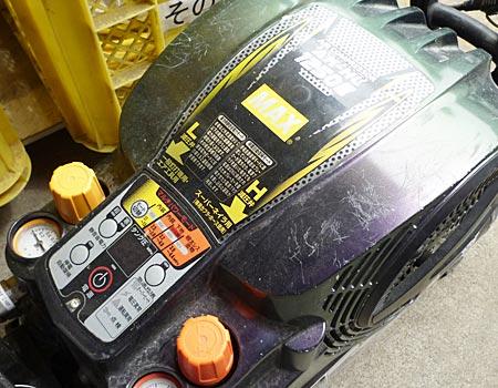 電動工具の修理作業風景とは