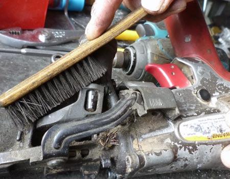 電動工具類はマメなお掃除でグ~ンと長持ちします。